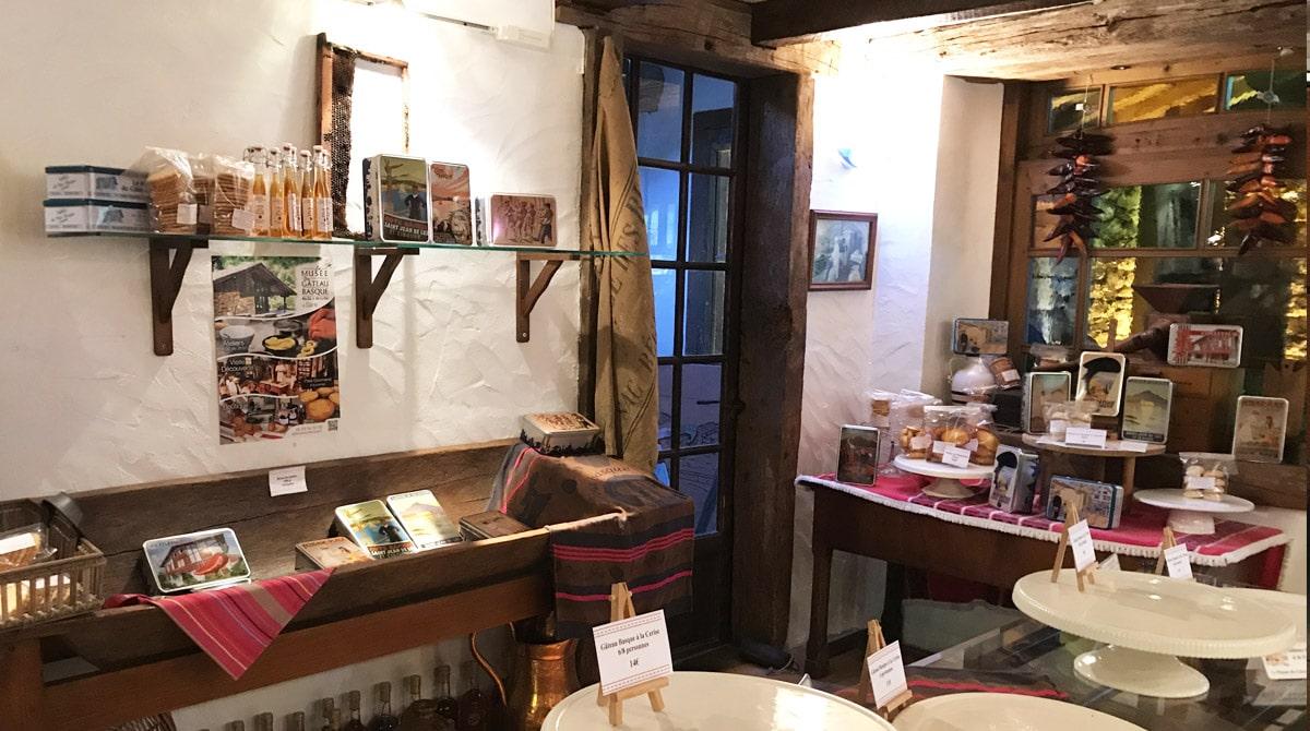 entrée et boutique du musée du gâteau basque