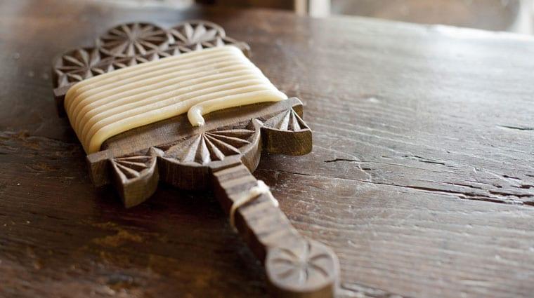 un outil traditionnel au musée du gâteau basque
